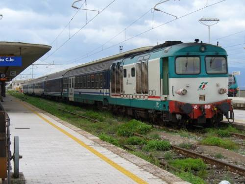 """Ferrovie senza fondi, Moretti lancia l'allarme """"Treni locali a rischio"""""""