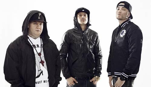 Il rap italiano sfonda in classifica: i Club Dogo al primo posto