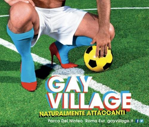 """Gli azzurri coi tacchi a spillo: ecco lo spot del Gay Village Cassano: """"solo una battuta"""""""
