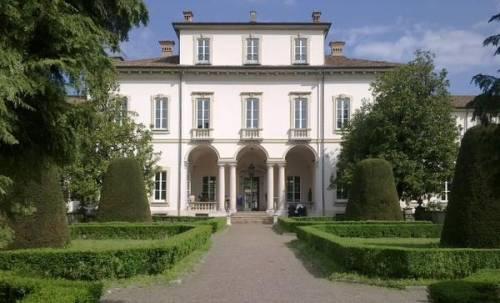 Teatro, pop e varietà risvegliano Villa Clerici