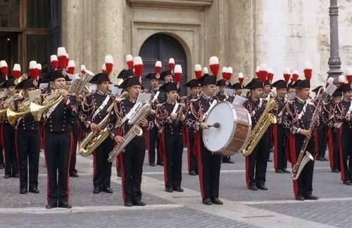 """""""Test Hiv per entrare in banda dei carabinieri"""""""