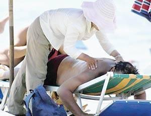 Dolori e infezioni: rischi con i massaggi low cost in spiaggia