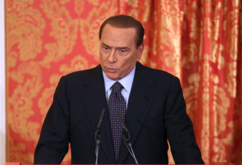 Berlusconi contro Monti: con lui recessione infinita, potremmo togliergli la fiducia