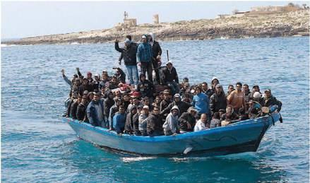 Reggio Calabria, soccorso barcone con a bordo 46 immigrati afghani