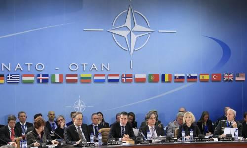 I ministri degli Esteri della Nato riuniti a Bruxelles