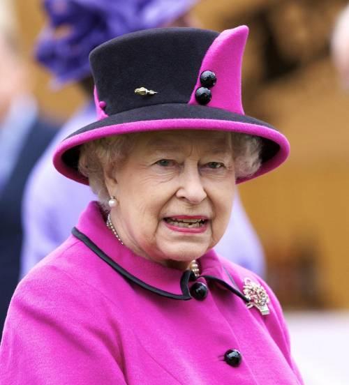 Regina preoccupata: gli ebook rovineranno i piccoli inglesi?