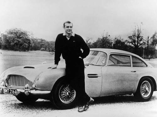 Se l'Aston Martin è italiana... 007 lo farà Raoul Bova?