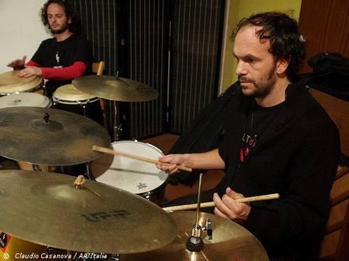Cusa, il batterista-produttore col pallino dei nuovi gruppi