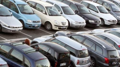 Il 53% degli italiani non comprerà un'auto nei prossimi 3 anni