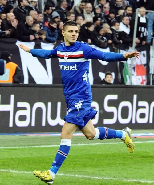 L'attaccante doriano Mauro Icardi festeggia dopo il gol