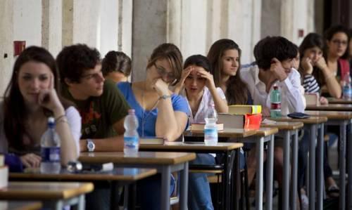 Emergenza istruzione: oltre 160mila studenti lasciano le superiori