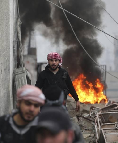 """Siria: """"Attacco israeliano contro un sito militare a nord di Damasco"""""""