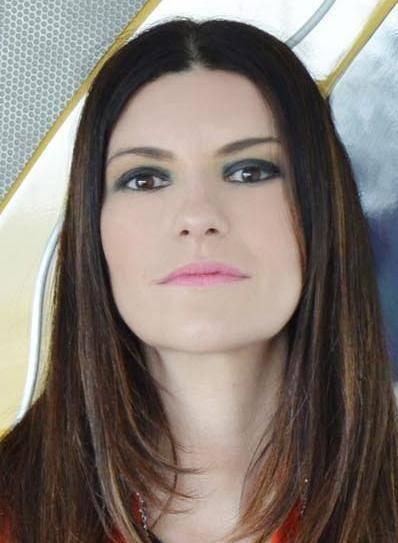 Lo sfogo di Laura Pausini su facebook dopo un servizio de Le Iene