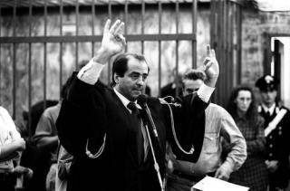 """""""Mani pulite"""" fu la prova generale delle nuove tecniche di colpo di Stato"""
