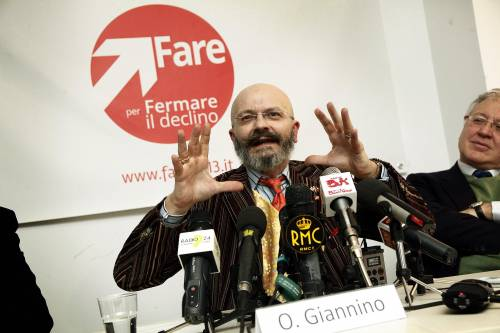 """La confessione di Giannino: """"Ho inventato tutto sulle lauree per un complesso di inferiorità"""""""
