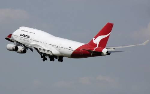 40 gradi su volo Qantas, passeggeri in ospedale
