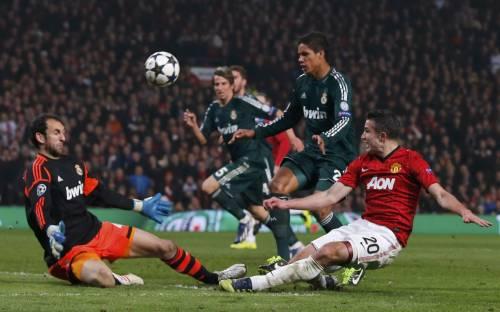 L'arbitro rovina Manchester United-Real Madrid. E Mourinho ringrazia