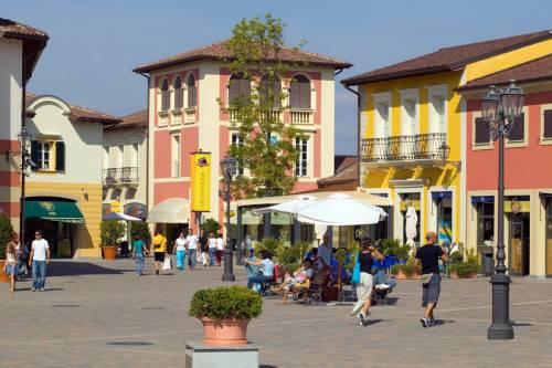 Serravalle, all'outlet chiusi 4 negozi su 250