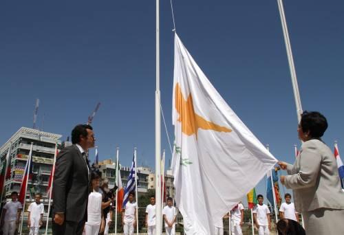 Cipro, la Ue ordina il prelievo sui depositi