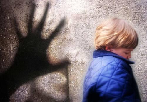 Coppia tedesca accusata di vendere il figlio online
