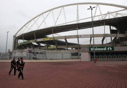 Rio, stadio a rischio crollo