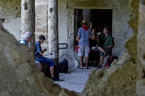 Archeologia, nuovi crolli a Pompei. Ma l'Italia obbedisce all'ultimatum Unesco