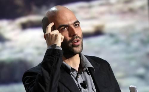 Saviano contro l'insulto libero su twitter: fuori i bulli dai social