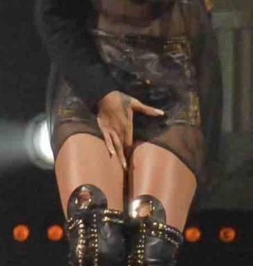Rihanna e il balletto hot