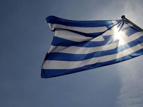 Crisi, Grecia approva nuove misure: nei supermercati i prodotti scaduti
