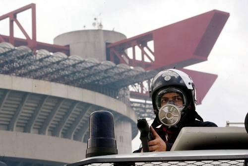 Scontri al Meazza: Milan-Napoli tra i lacrimogeni