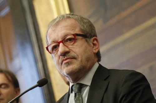 """Dimissioni in massa, Maroni: """"Lasciamo anche noi"""""""