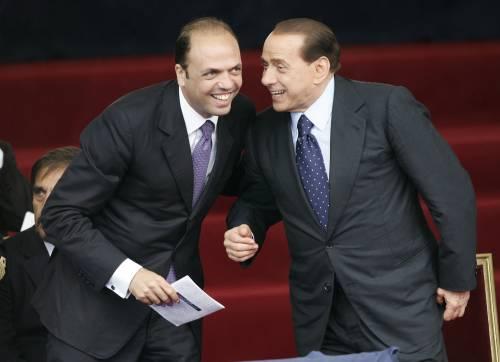 Berlusconi frena i falchi: il governo durerà due anni