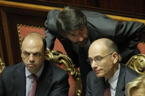"""Decadenza Berlusconi, il Pdl avvisa il Pd: """"Siamo all'ultima spiaggia"""""""