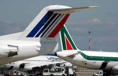 Anche Alitalia volerà all'estero. Air France pronta al controllo