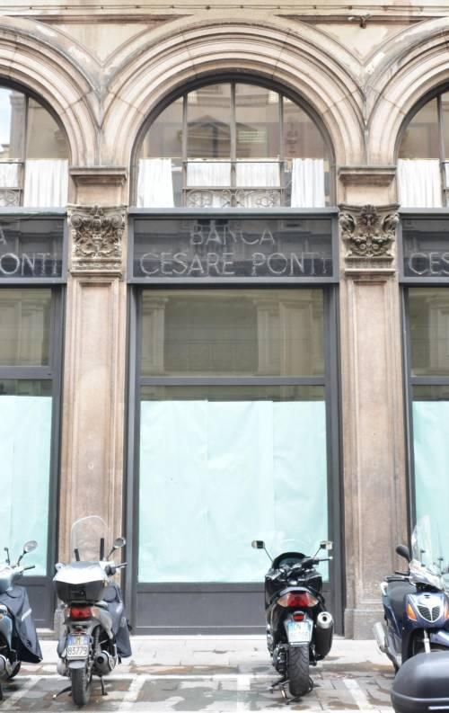 Duomo, nelle vetrine di Banca Ponti nasce il Turista-point