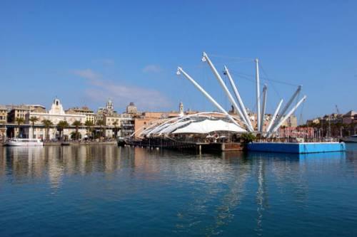 Genova, sequestrate 4 tonnellate di farmaci contraffatti per bambini