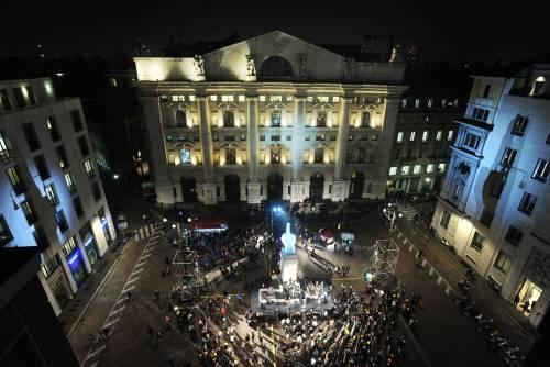 L'aperitivo diventa rave party Notti da incubo in piazza Affari