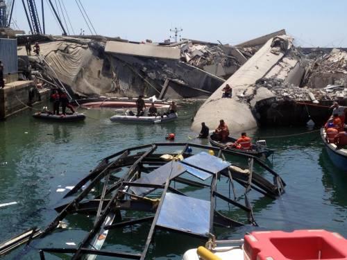 La nave-mostro uccide il cuore di Genova