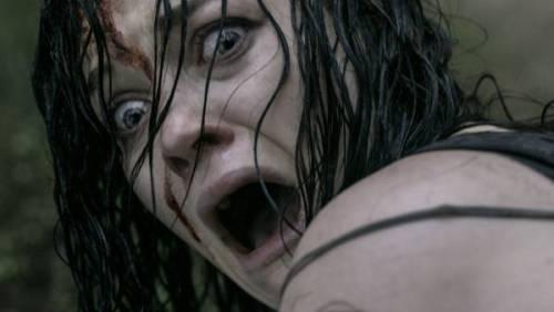 """""""La Casa"""", il remake del cult horror arriva nelle sale"""