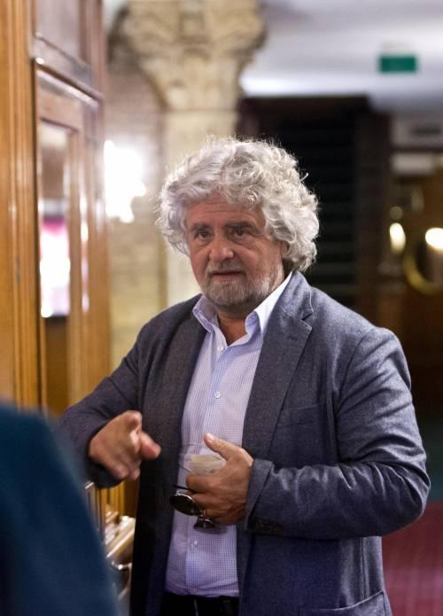 """Grillo: """"A ottobre i partiti scompariranno. Resteremo solo noi"""""""