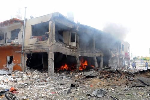 Turchia, esplosioni a Reyhanli, vicino al confine siriano: 40 morti