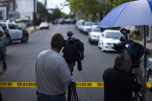 Stati Uniti, uomo armato sequestra ostaggi: si temono morti