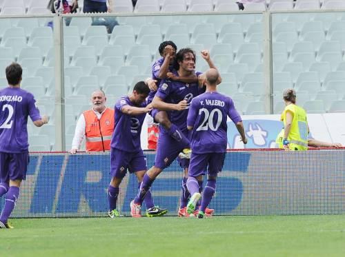 Luca Toni  segna nella partita Fiorentina-Palermo