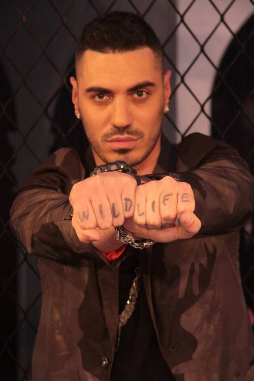 Il rapper Marracash al veleno: La tv italiana? Mi fa venire voglia di fumare crack