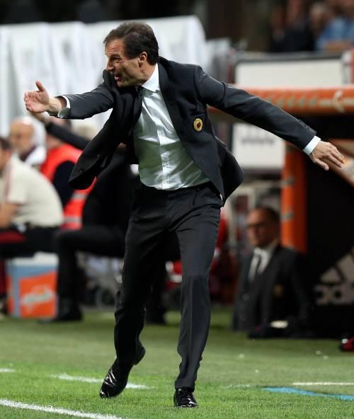 Milan, salta il blitz Berlusconi. Allegri rimane in bilancio