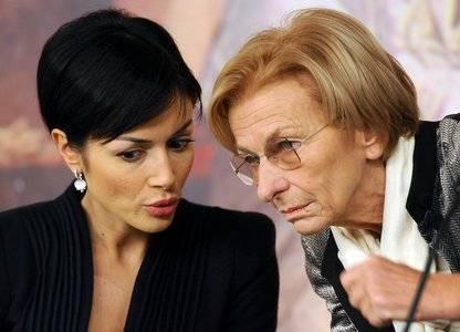"""Violenza su donne, Carfagna riferisce della Convenzione M5S: """"Parla proprio lei?"""""""