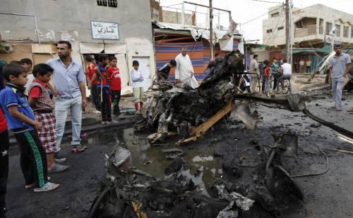 Otto autobomba in Iraq: almeno 42 morti