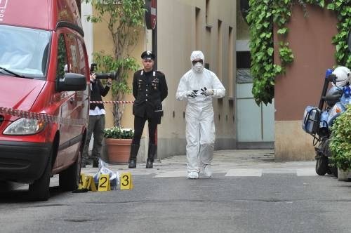 Milano, rapina in gioielleria: i banditi lanciano molotov