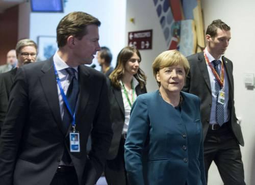 Letta alla Ue: priorità giovani E la Merkel offende ancora l'Italia