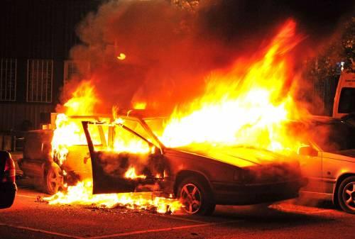 Quarta notte di scontri di piazza in Svezia: la rivolta si allarga